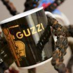 Guzzi Tasse am Kettenbaum --- auch der Schrott wird verwertet / guzzi cup on the chain tree --- also the scrap is recycled /